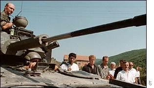 _1244305_tank300.jpg