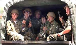 _1372397_soldiers300.jpg