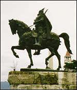 _213623_skanderberg_albanian_hero_in_tirana150.jpg